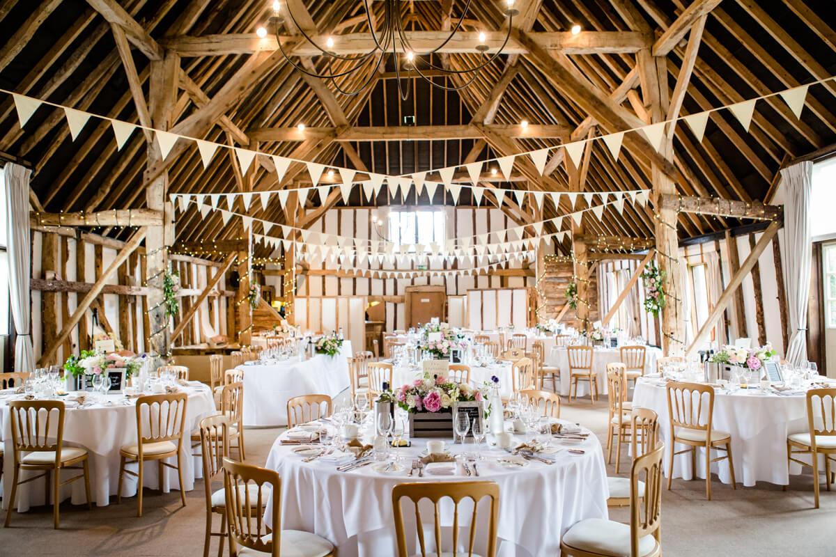 barn-wedding-ideas-rustic-wedding-flowers-clock-barn ...