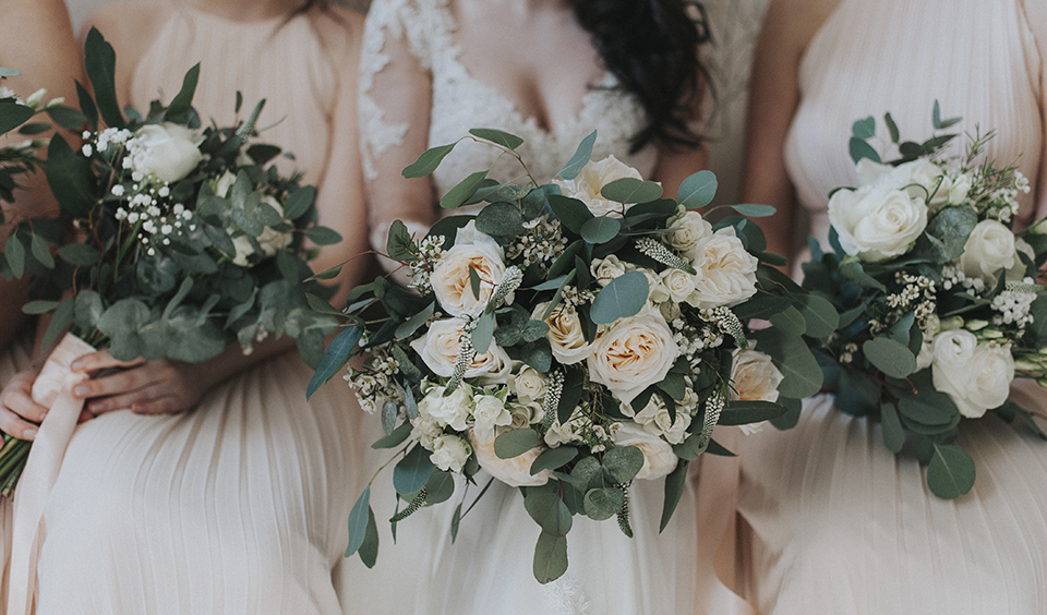 Bridal flowers with pale roses, eucalyptus leaves and tied with pale peach ribbon, simply stunning – wedding ideas