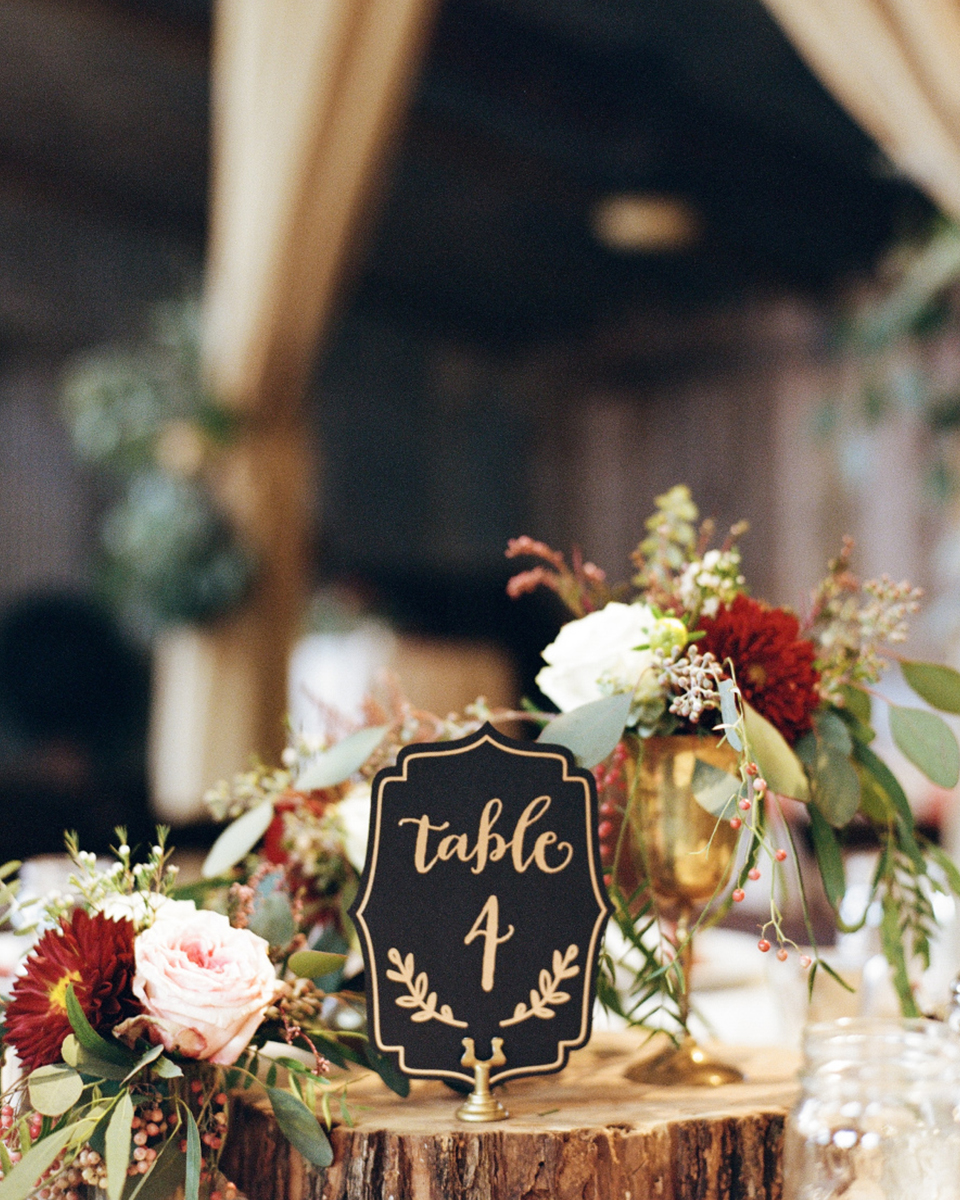 Sit table decorations and centrepieces on wood slices for a natural look