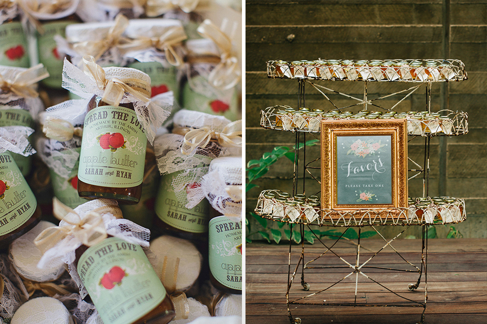 Homemade jams made with seasonal fruits make perfect autumnal wedding favours