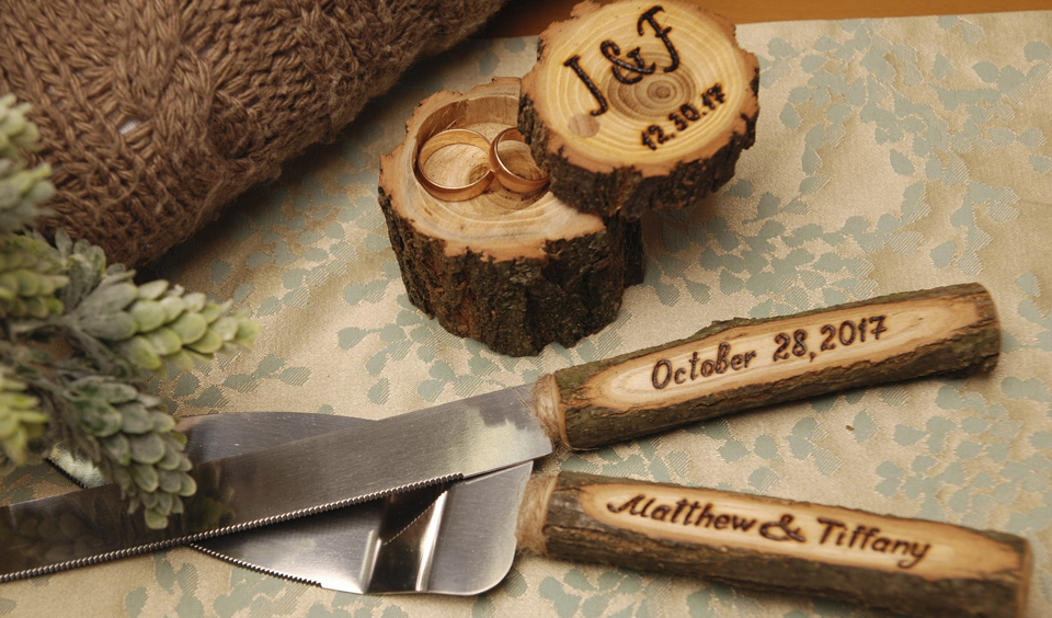 This rustic cake knives have been personalised and are perfect for your wedding day and onwards