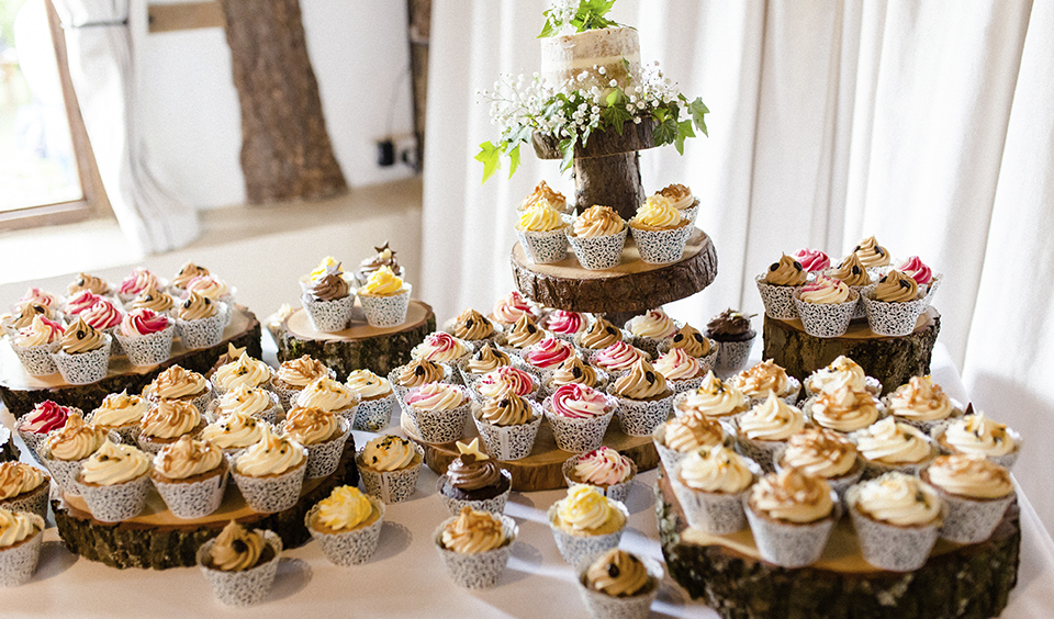 Indivdual cupcakes are a great alternative to a traditional tiered wedding cake for your Clock Barn wedding