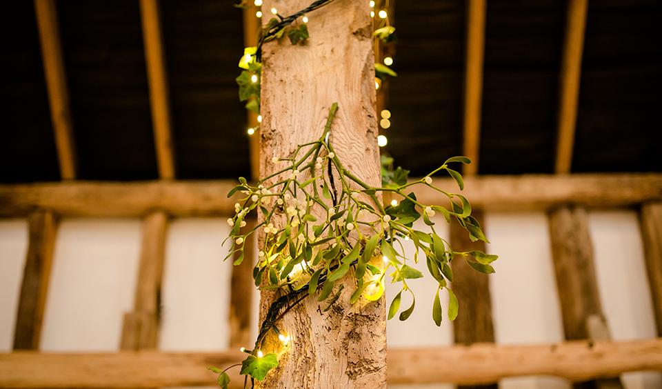 Winter Wedding Ideas For Your Barn Wedding
